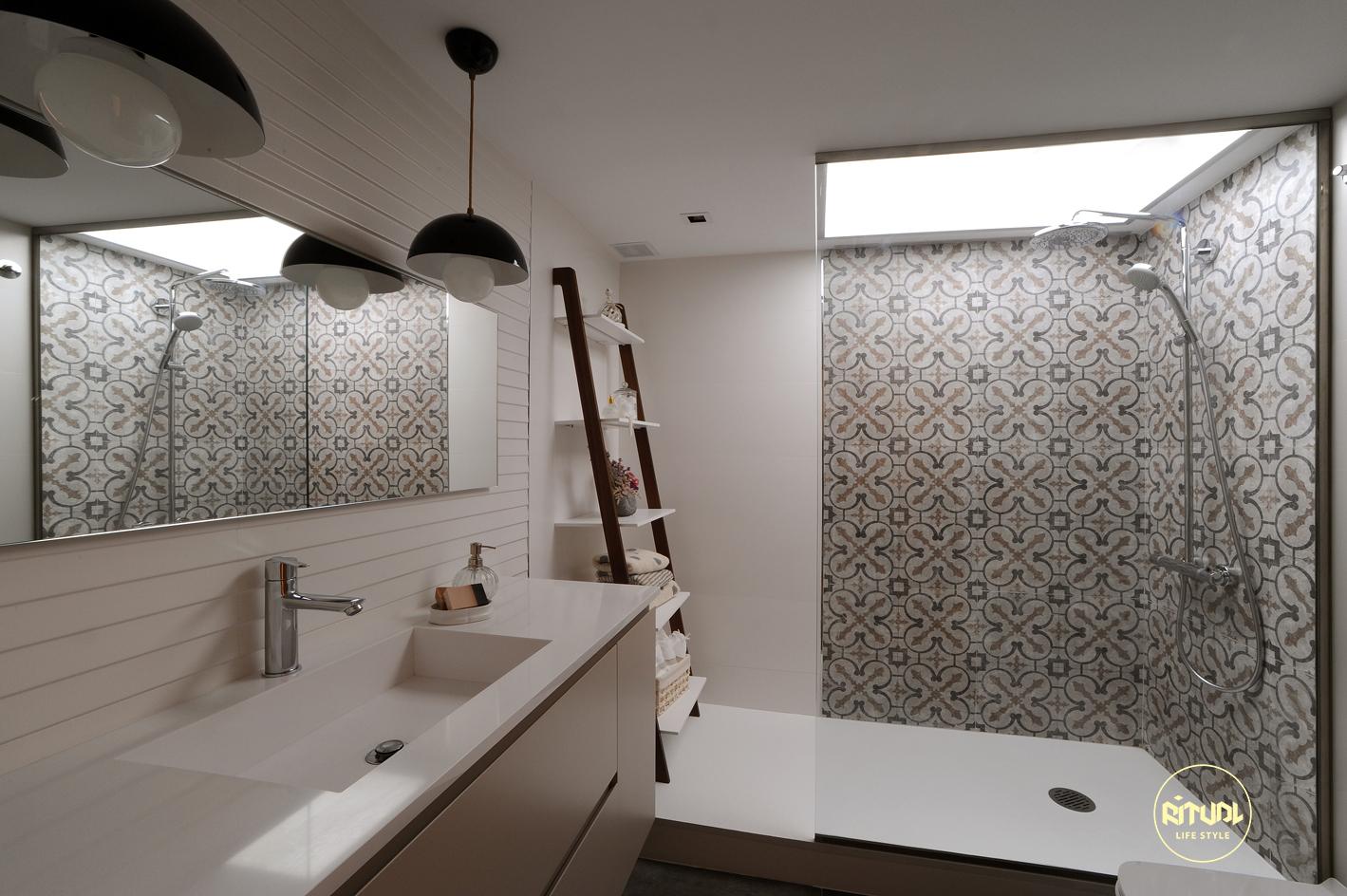 Mete los rayos del sol en tu ducha decoradores barcelona - Decoradores de interiores barcelona ...